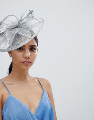 Шляпа с вуалеткой и жемчужной отделкой Elegance. Цвет: серебряный