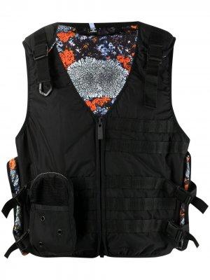 Укороченный жилет с карманами карго MCQ. Цвет: черный