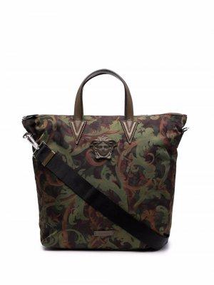 Худи с принтом Baroccoflage Versace. Цвет: зеленый