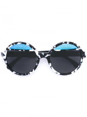 Солнцезащитные очки с круглой оправой Italia Independent. Цвет: черный