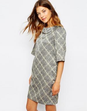 Платье с решетчатым принтом Le Mont St Michel. Цвет: greige ground (серов