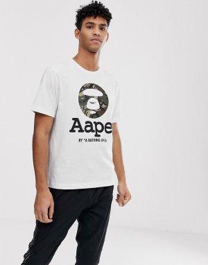 Белая футболка с камуфляжным логотипом AAPE By A Bathing Ape. Цвет: белый