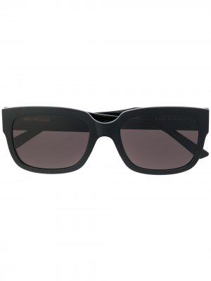 Солнцезащитные очки в квадратной оправе Balenciaga Eyewear. Цвет: черный