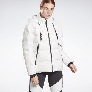 Пуховик Outerwear Core Reebok. Цвет: white