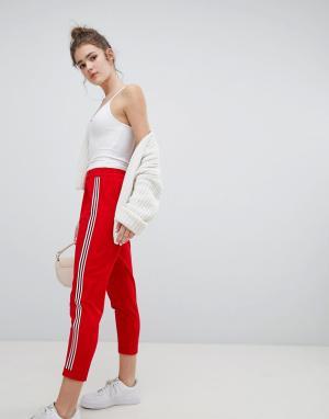 Красные широкие брюки со складками в полоску Bershka. Цвет: красный