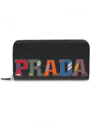 Кошелек с заплаткой логотипом Prada. Цвет: черный