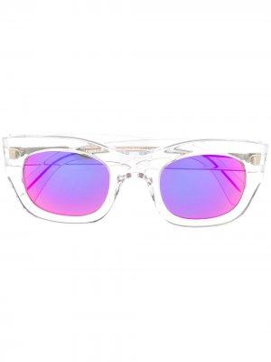 Зеркальные солнцезащитные очки в квадратной оправе Cutler & Gross. Цвет: белый