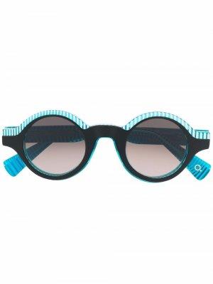 Солнцезащитные очки в круглой оправе Etnia Barcelona. Цвет: синий