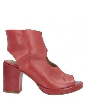 Полусапоги и высокие ботинки ERNESTO DOLANI. Цвет: красный