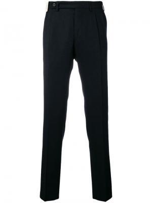 Классические зауженные к низу брюки Berwich. Цвет: синий