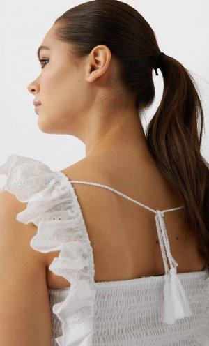 Топ С Ажурной Вышивкой Женская Коллекция Белый M Stradivarius. Цвет: белый