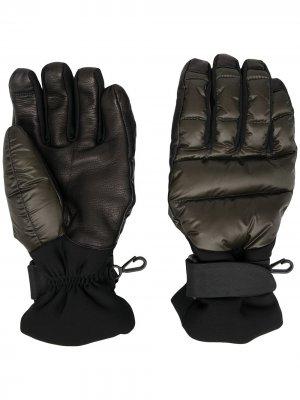 Дутые перчатки Moncler Grenoble. Цвет: зеленый
