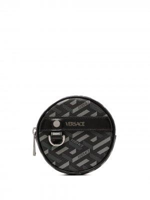 Кошелек с логотипом Versace. Цвет: черный