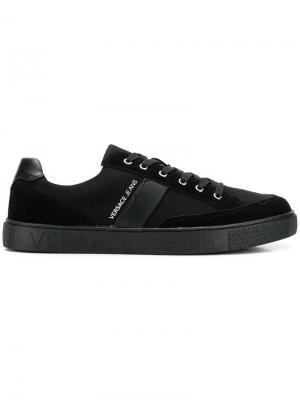 Кеды на шнуровке Versace Jeans Couture. Цвет: черный