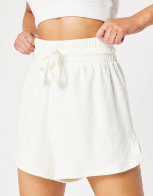 Махровые пляжные шорты цвета слоновой кости -Белый ASOS DESIGN