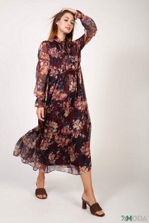 Длинное платье Louis and mia. Цвет: бордовый
