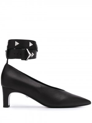 Туфли с ремешком на щиколотке и заклепками Grey Mer. Цвет: черный