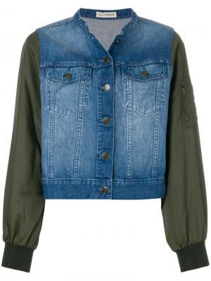 Укороченная джинсовая кутка с рукавами в стиле куртки-бомбер Ulla Johnson. Цвет: синий