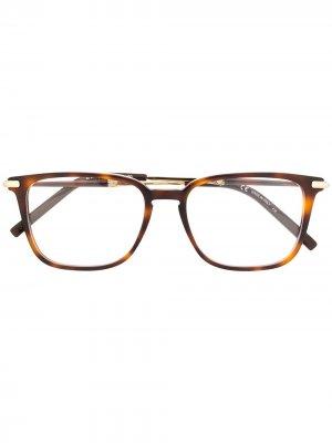 Очки в квадратной оправе черепаховой расцветки Salvatore Ferragamo. Цвет: коричневый