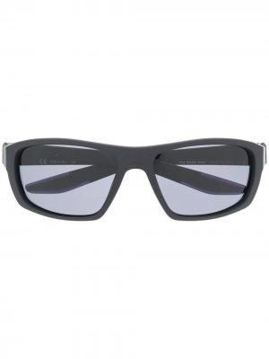 Солнцезащитные очки Brazen Boost Nike. Цвет: черный