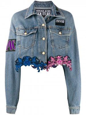 Джинсовая куртка с кружевом Versace Jeans Couture. Цвет: синий
