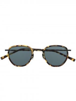Солнцезащитные очки в оправе черепаховой расцветки Eyevan7285. Цвет: черный