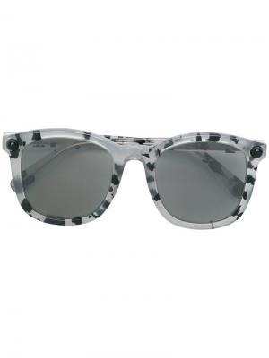 Солнцезащитные очки в квадратной оправе Christopher Kane Eyewear. Цвет: серый