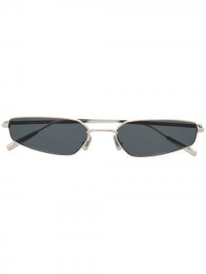 Солнцезащитные очки в прямоугольной оправе AMBUSH. Цвет: серебристый