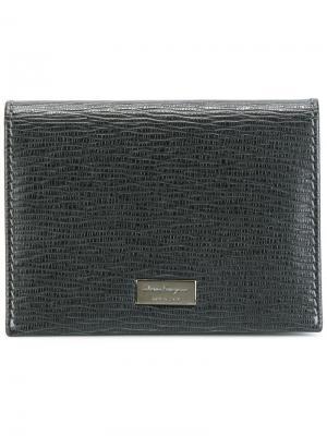 Бумажник с откидным клапаном Salvatore Ferragamo. Цвет: черный
