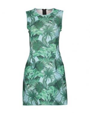 Короткое платье EMMA COOK. Цвет: зеленый