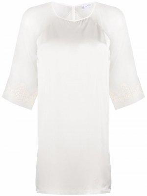 Ночная сорочка с кружевной вышивкой La Perla. Цвет: белый